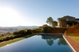 pool in tuscan villa (8)